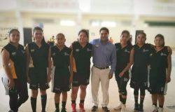 Equipo de basquetbol femenil representativo del TecNM campus Frontera Comalapa recibe uniformes y participa en la cuarta jornada de la Liga Municipal.