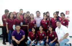 """Estudiantes del Telebachillerato comunitario Benito Juárez visitan las instalaciones del tecnológico y reciben curso taller denominado """"Lombricultura""""."""
