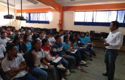 Comunidad tecnológica del TecNM campus Frontera Comalapa presente en evento académico de la Preparatoria Comalapa turno matutino