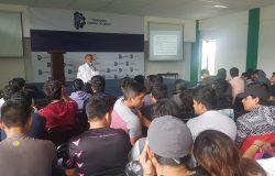 """Estudiantes de diferentes carreras asisten a conferencia denominada """"Proyectos de Inversión"""""""