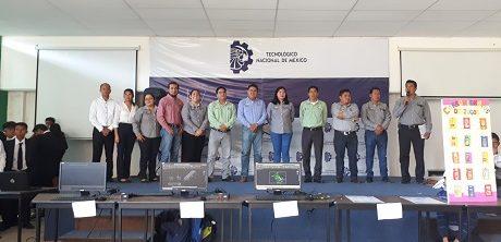 Jóvenes estudiantes participan en la «Exposición de proyectos integradores EXPOINTEGRATEC correspondientes al periodo agosto diciembre 2019»