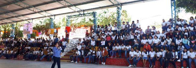 TecNM Campus Frontera Comalapa imparte conferencia en la Escuela Preparatoria Comalapa Turno Matutino denominada «Liderazgo con valores: reto para la elección de la carrera de tu vida».
