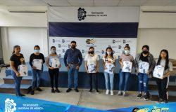 TecNM Campus Frontera Comalapa entrega uniformes a la escolta oficial del instituto